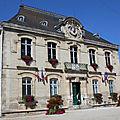 03 Hôtel de Ville érigé grâce au testament de Napoléon