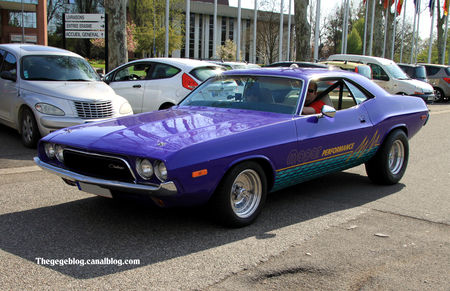 Dodge_challenger_hardtop_coupe__1972_1974__Retrorencard_avril_2011__01