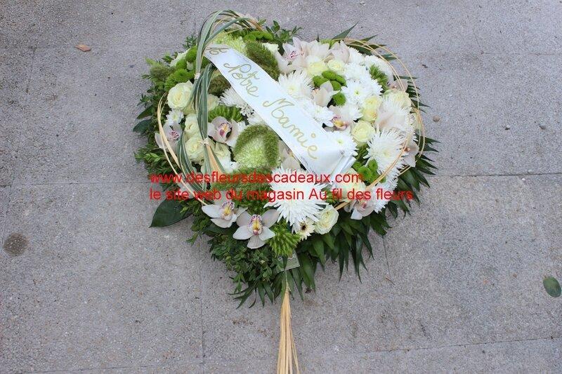 coeur en fleurs naturelles pour deuil (2)
