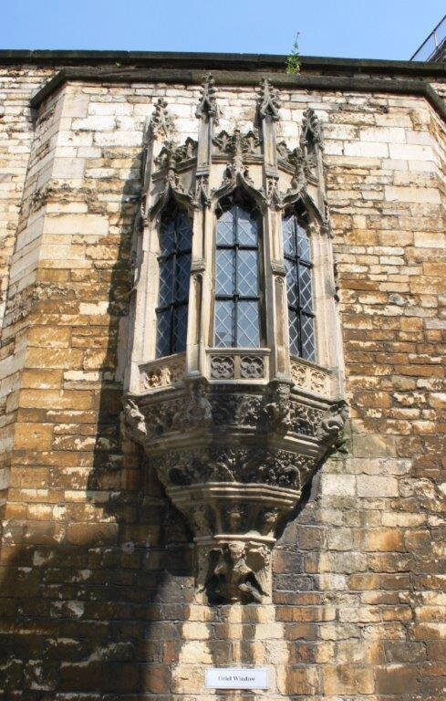 Lincoln_Castle_oriel_window