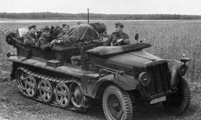EISENWERK - SDKFZ 10 AUTOCHENILLE - 1943