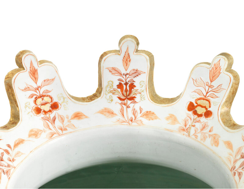 2019_CKS_17726_0051_004(a_pair_of_chinese_verte-imari_armorial_wine_coolers_for_the_portuguese)