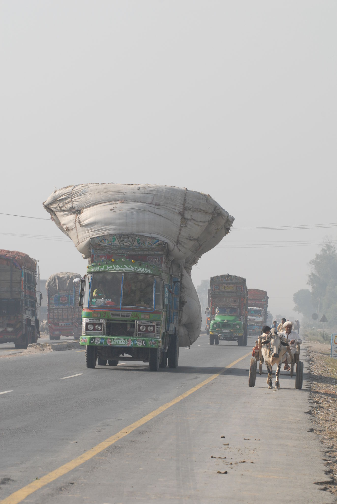 pakistan 3 072