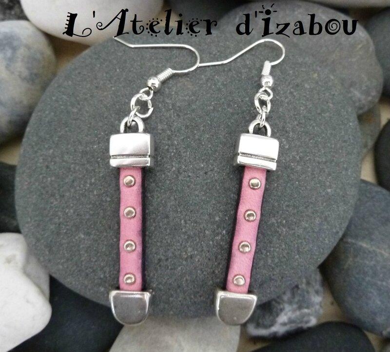 P1150224 Boucles d'oreilles artisanales cuir clouté rose octobre rose