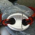 Aujourd'hui, la légereté du cuir et de l'organza pour ce bracelet marron et orange