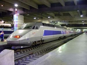 800px_tgv_train_inside_gare_montparnasse_dsc08895