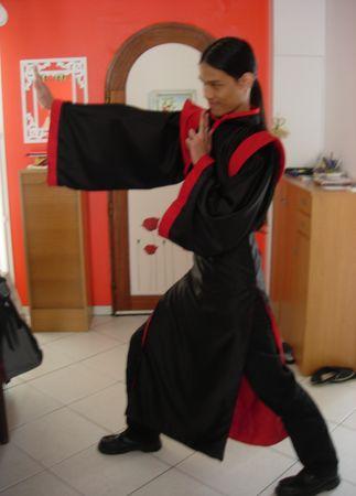 Tenue_Black_mandarin_action