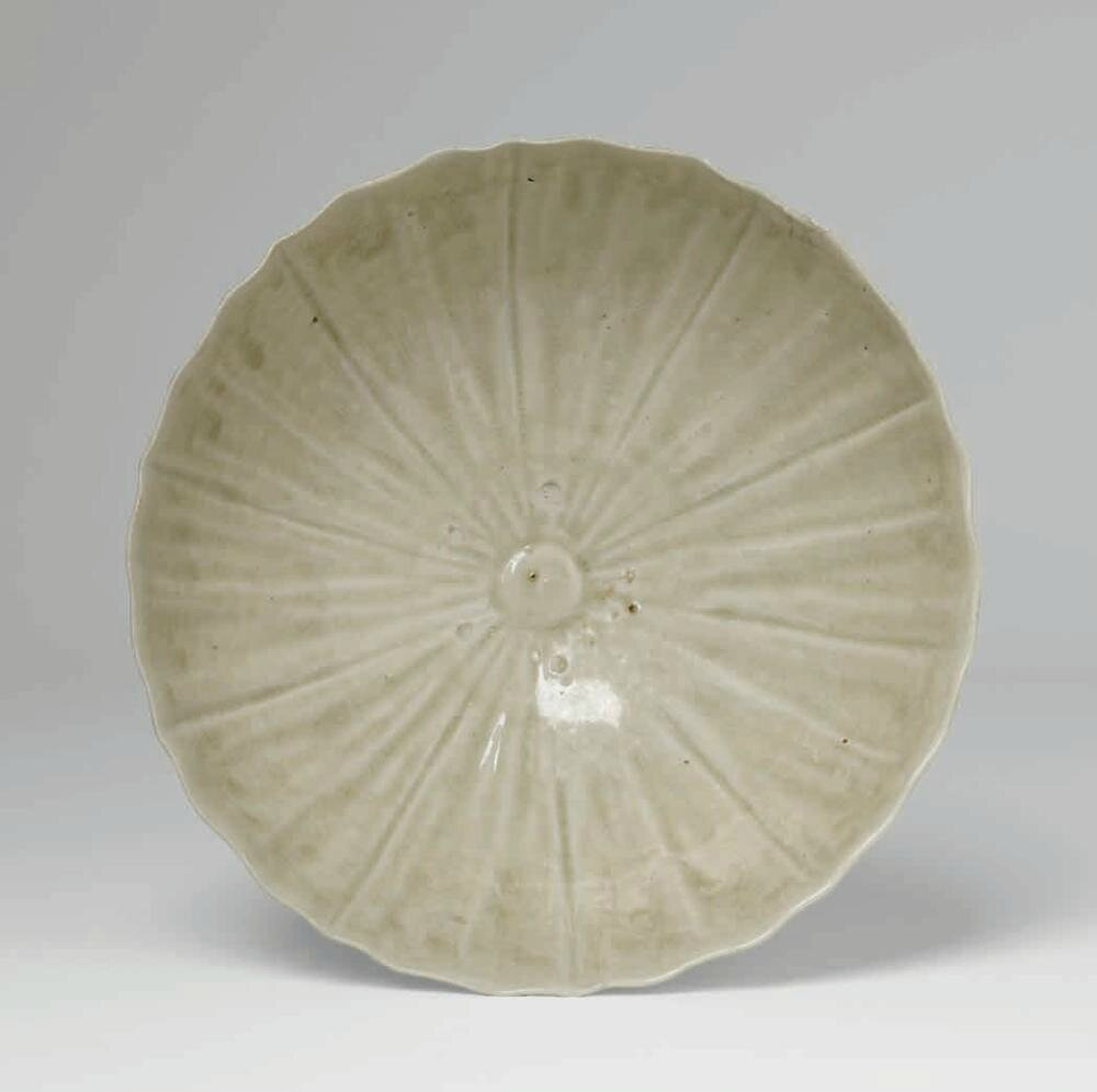 Pale Celadon Chrysanthemum Form Bowl, Trần Dynasty, 1225-1400 A