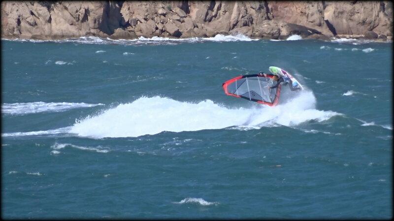 RIDER_EN_AERIAL_BACK_SURF___MOUSSE_