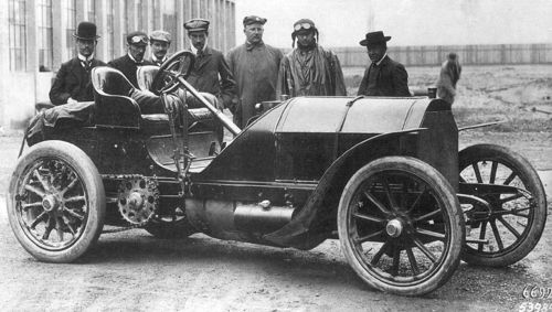 1904 mercedes 4-cyl 12-litre 90hp - camille jenatzy, 2nd from left