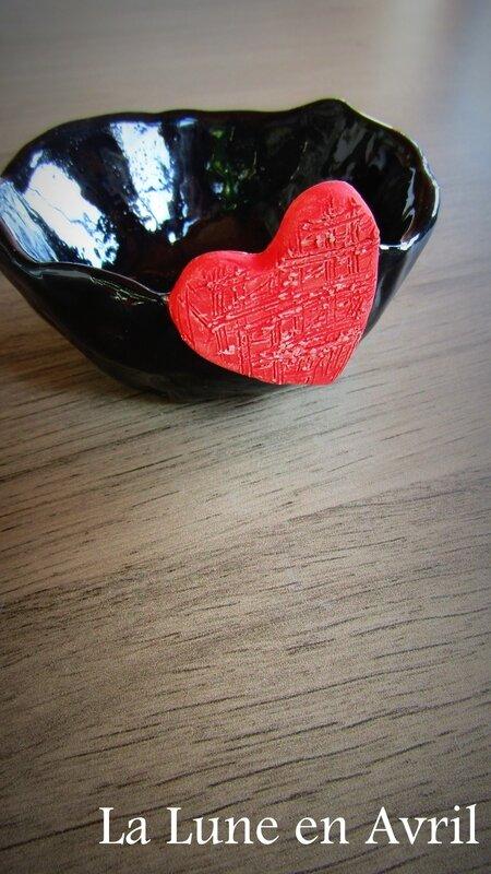 coupelle noire coeur rouge 2