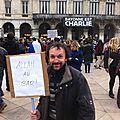 jénorme au rassemblement Charlie Hebdo, Bayonne (64)