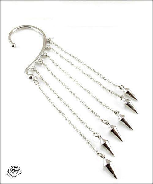 _1 Boucle d'Oreille Chaines Avec Pendants en «Pique» Métal Couleur Argent