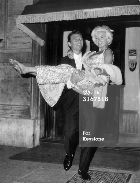jayne-1962-05-19-rome-nightclub-with_mickey-1