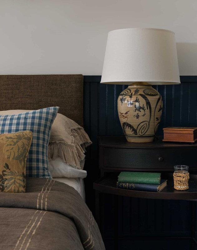 Heidi-Caillier-Design-Seattle-interior-designer-the-cabin-and-the-snug-guest-bedroom-vignette-ceramic-lamp