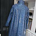 Ciré en coton enduit bleu parsemé d'étoiles - fermeture par noeud sur le devant (6)