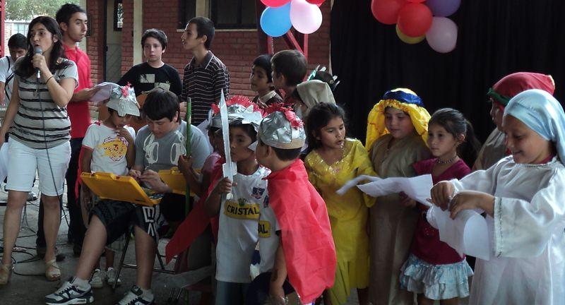 los niños de la Fresia cantan