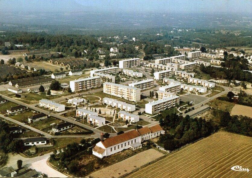 Cöetquidan (Morbihan), la cité résidentielle des cadres de l'école St-Cyr