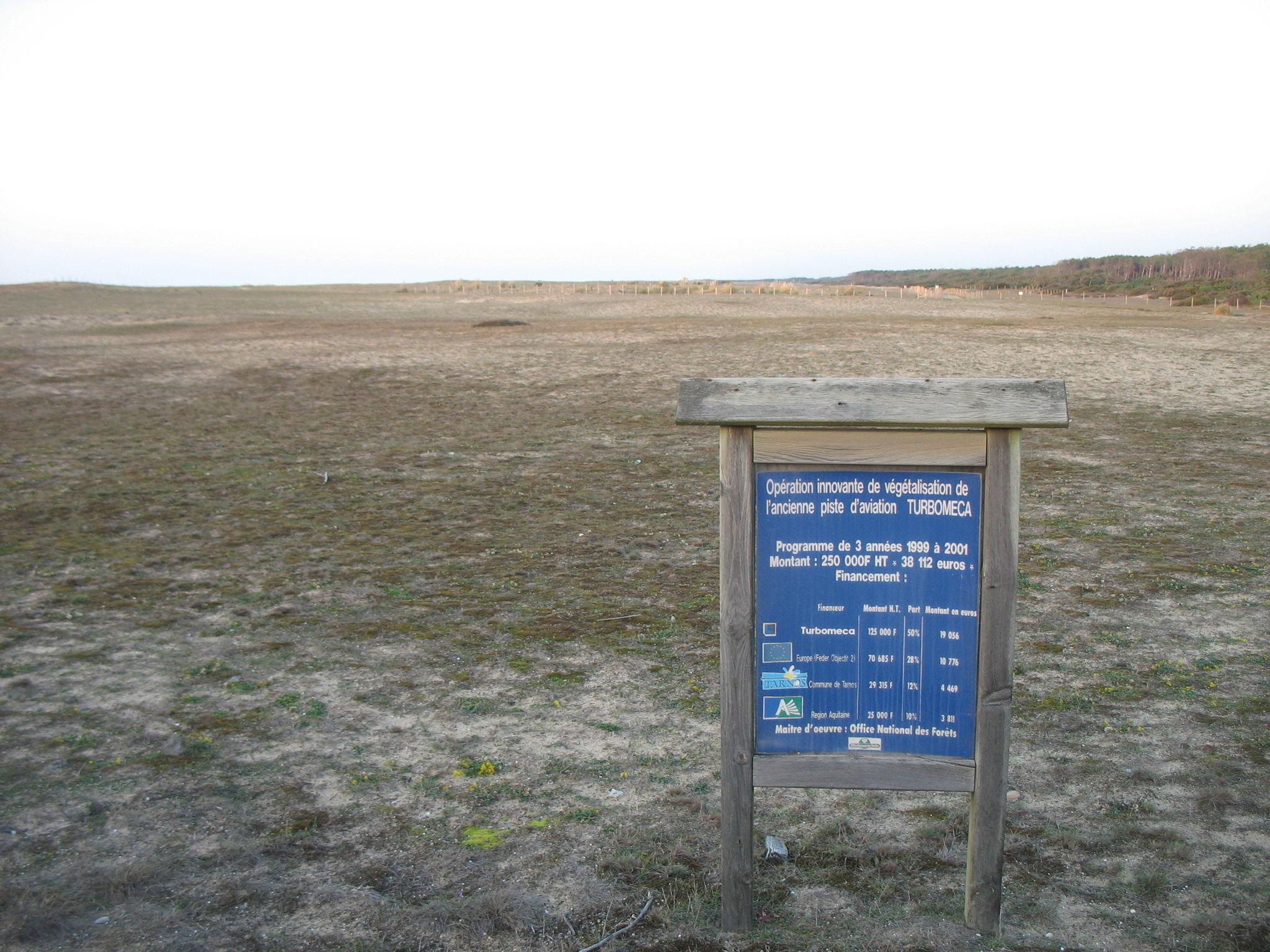 Tarnos, ancienne piste d'aviation Turbomeca (40)