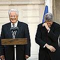 1996 - bill clinton apporte son aide a boris eltsine