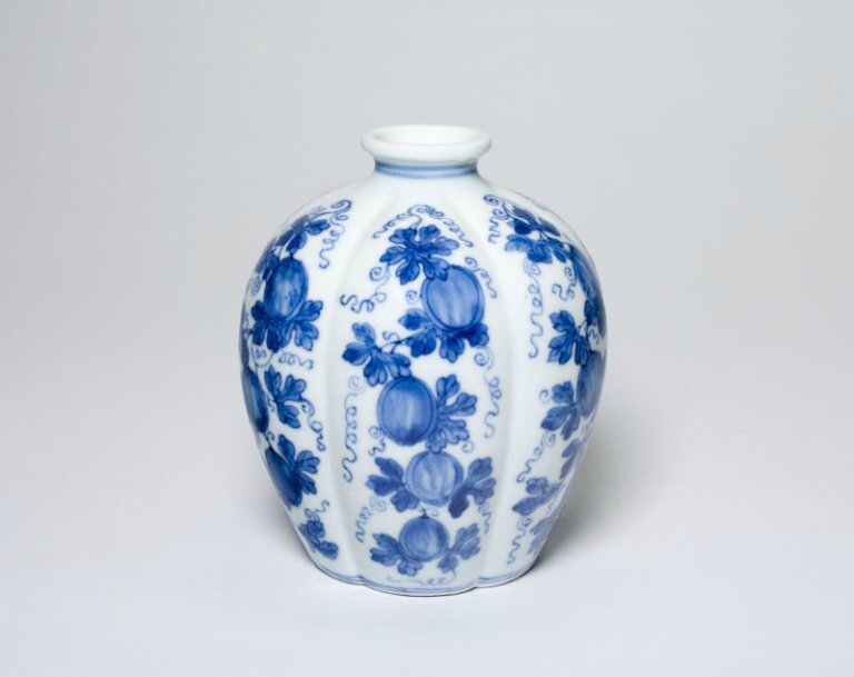 Lobed Jar with Melons, Qing dynasty (1644-1911), Yongzheng mark and period (1723-1735)