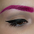 Les sourcils roses, on ose !