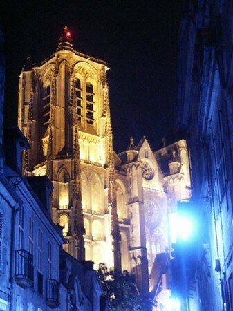 nuit_eglise_lieu_cultes_architecture_155904_1_