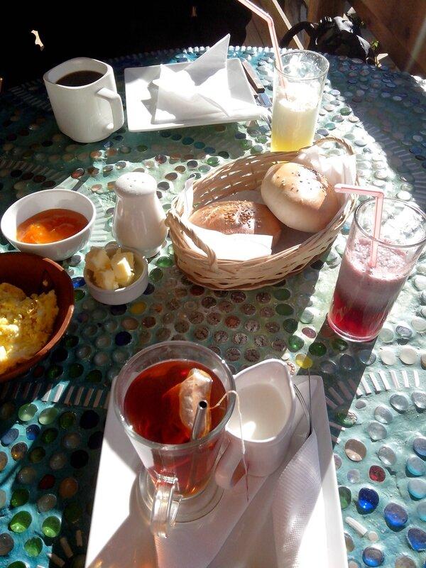 Petit déjeuner au lever du soleil