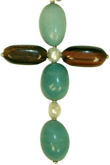 Croix turquoise et chocolat composée de pierres de tigre, d'amazonites et de perles