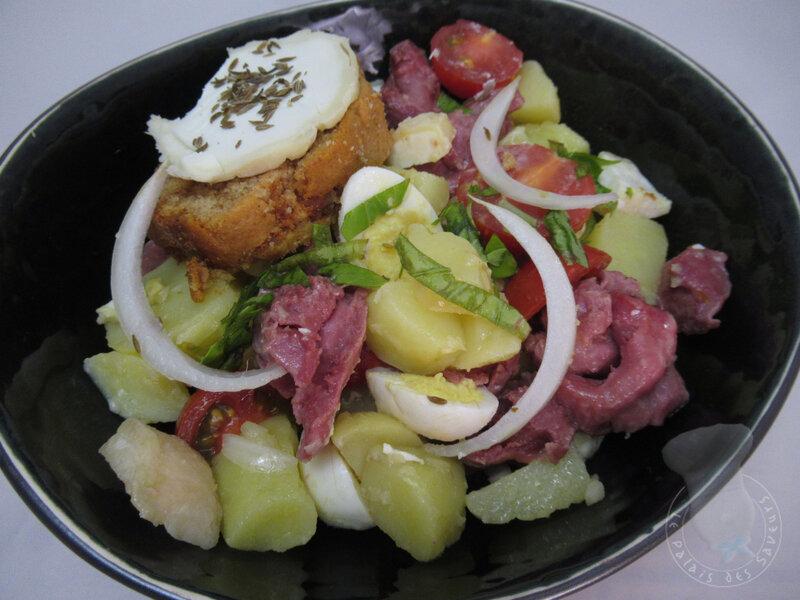 Salade de pommes de terre aux gésiers et Pélardons
