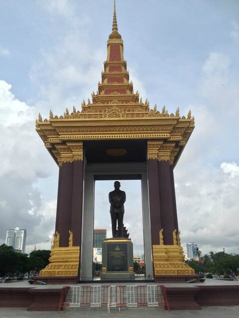 statue Norodom Sihanouk