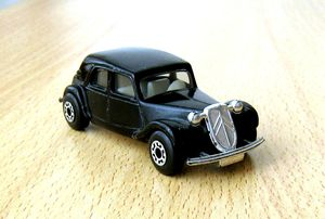 Citroen traction 15CV 01 -Matchbox- (1983)