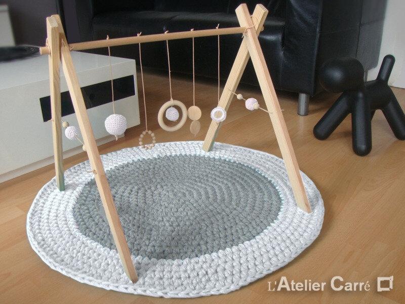 portique-d-eveil-bebe-bois-crochet-personnalisable-blanc-3