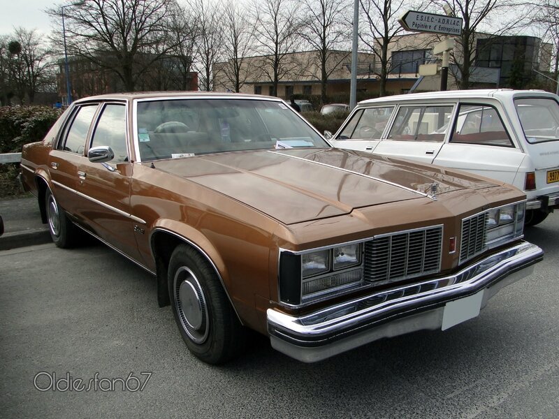 oldsmobile-delta-88-royale-sedan-1979-a