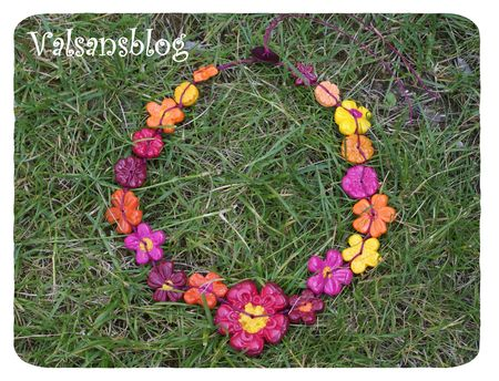 collier_nou__fleurettes_28_juin_2010_001
