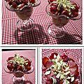 Coupe de fraises, sauce chocolat blanc