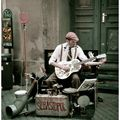 Une guitare dans la rue