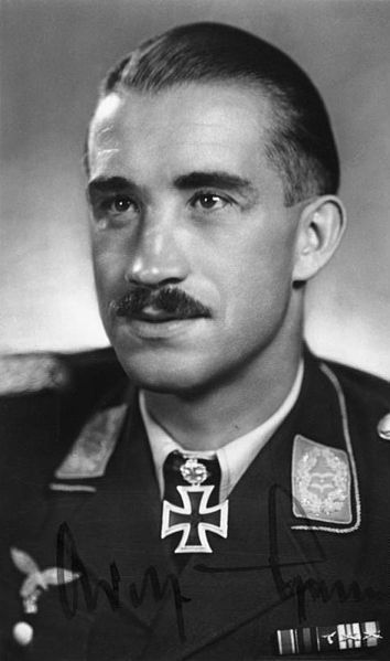 354px-Bundesarchiv_Bild_146-2006-0123,_Adolf_Galland