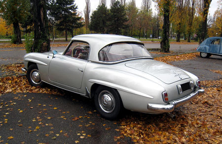 Mercedes_190_SL_avec_Hardtop__1954_1963__Retrorencard_novembre_2010__02