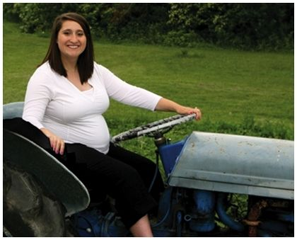 pregnant_20woman_tractor