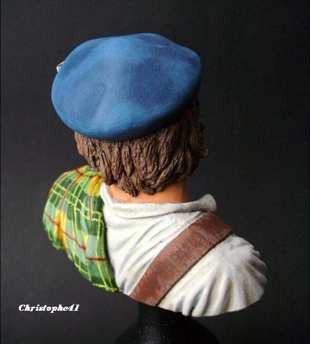 Vitrine de Christophe41 ( le 13.10.2019 : buste commando anglais D.Day) - Page 9 121247869_o