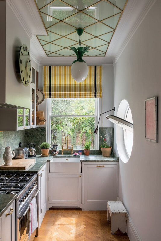 Beata-Heuman-kitchen-from-British-Designers-at-Home-by-Jenny-Rose-Innes-©Simon-Griffiths-683x1024