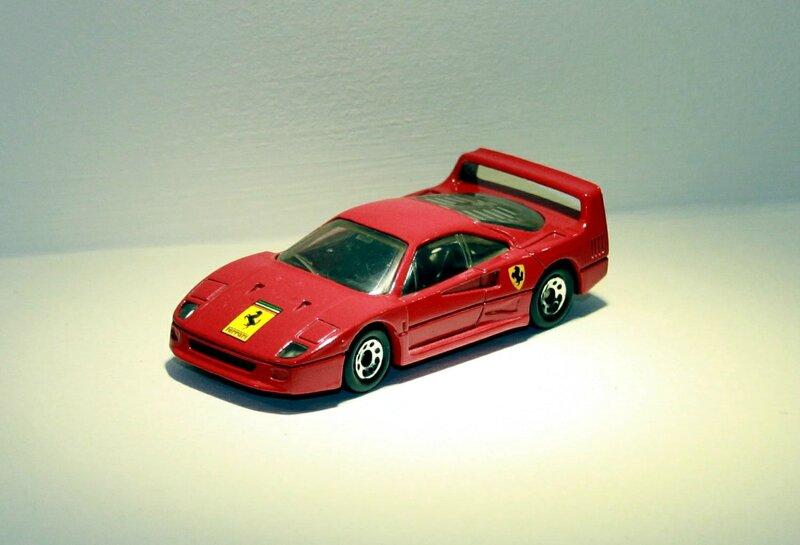 Ferrari F40 (Matchbox) 01