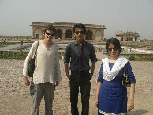 Moi meme, Farid et une amie