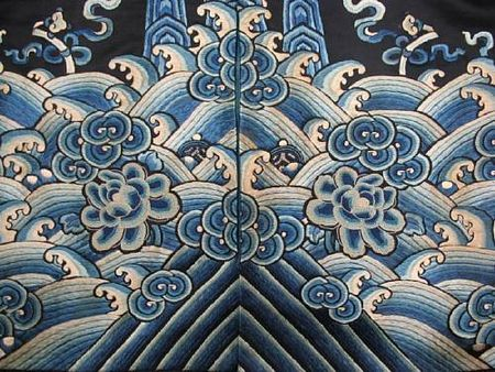 A_woman_s_midnight_blue_silk_overcoat_with_polychrome_figure_embroidery3