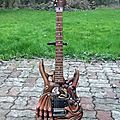 GUITARE SCULPTEE 7a