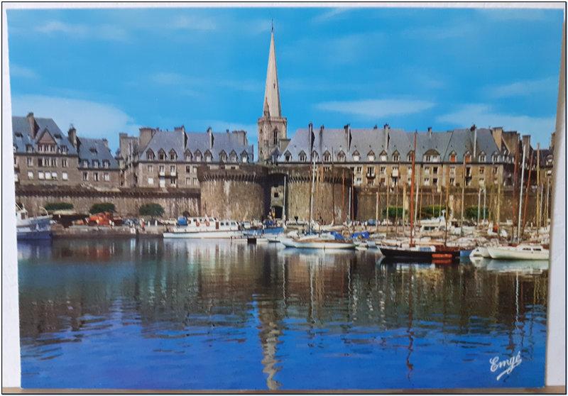 St Malo 2 - Grand'porte - port des yachts - remparts