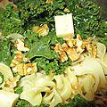 Salade de pâte fraîcheur au chou kale et aux pois chiche