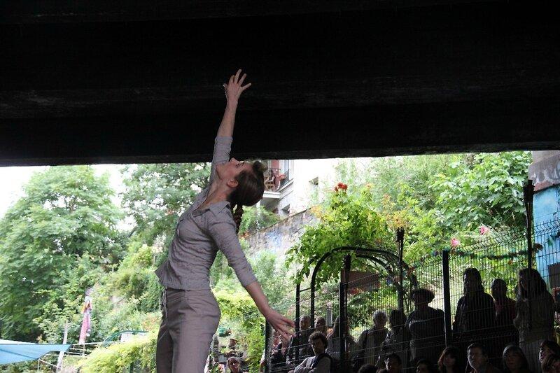 15-Valse en trois temps (Clignancourt danse sur les rails)_3718