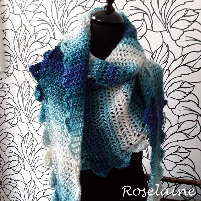 Roselaine Side to side crochet shawl 1